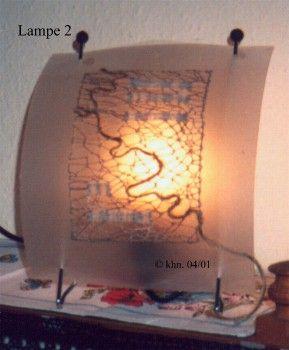 freie Klöppelarbeit auf Lampenschirmfolie montiert