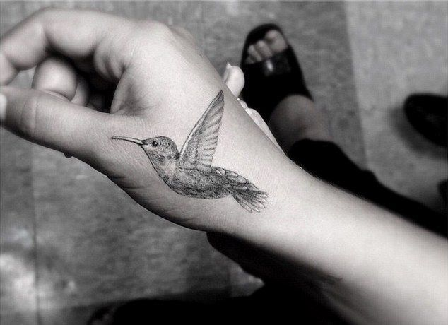 17 best ideas about Hummingbird Tattoo Black on Pinterest ...