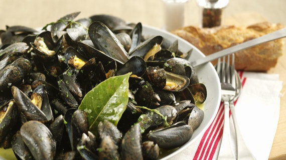 Mussels with White Wine (Moules Mariniere)