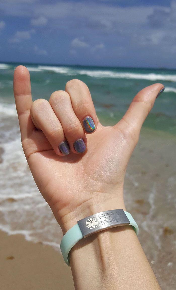 Medical ID Bracelets + Coupon Code | typelovely.blogspot.com | beach ocean mint bracelet diabetes lifestyle hologram nail polish unicorn nails