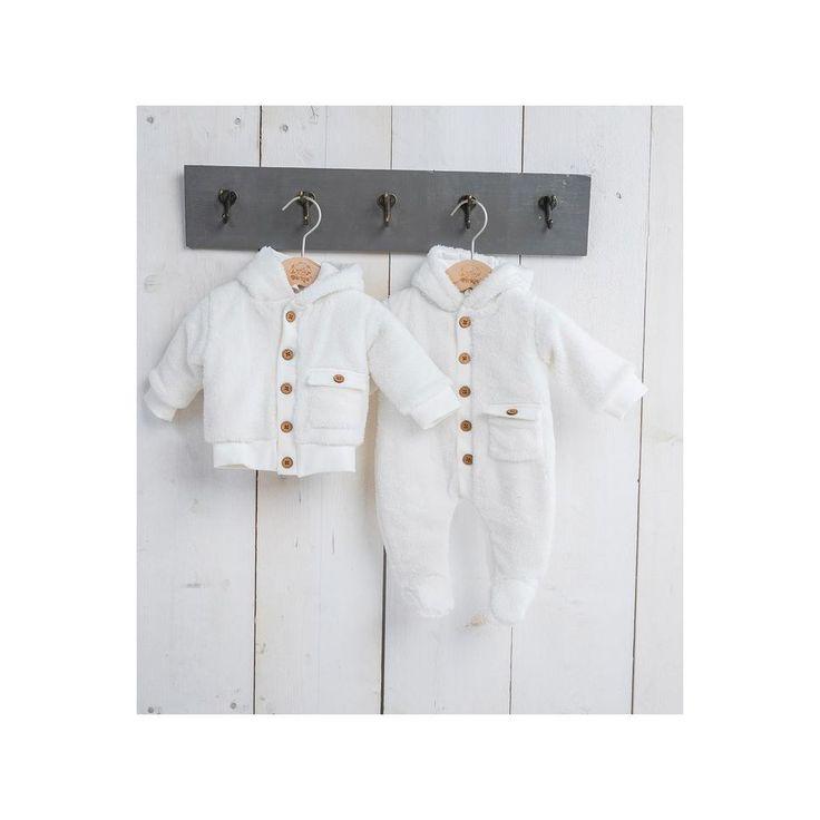 Daar krijg je het wel warm van #teddy #vest #dirkje #baby #babykleding #kleding #wehkamp #faux #fur #wit #unisex #meisje #jongen