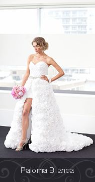 Made by Paloma Blanca (Elsa Carlesimo) out of Cashmere Bathroom Tissue for the 2015 White Cashmere Collection Bridal Edition in support of the Canadian Breast Cancer Foundation.The show this year focused on the hottest wedding trends and bridal silhouettes. @PalomaBlancaBridal @cashmerecanada  http://palomablanca.com/