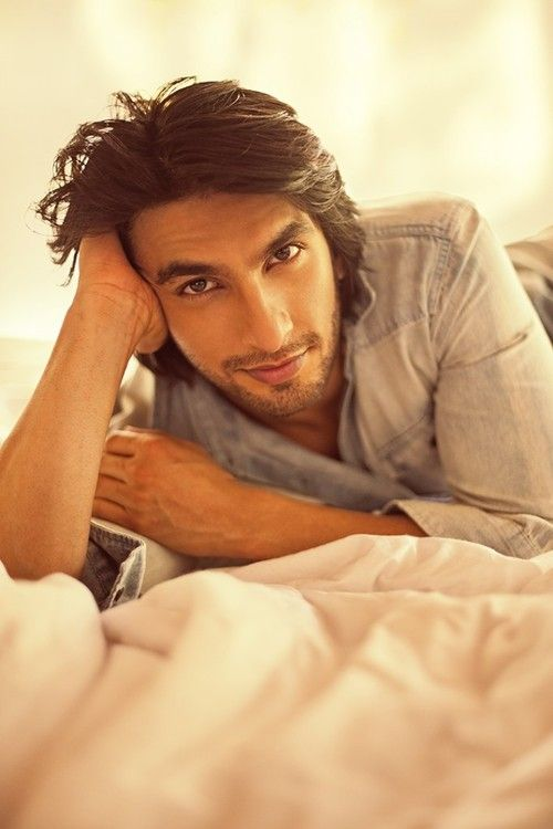Hey girl. I can listen to you make up words, as you try to sing your favorite Bollywood songs, all night long. Ranveer Singh