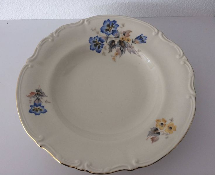 Vintage Tulowice soup plate with flower decoration by MORETHANVINTAGENL on Etsy