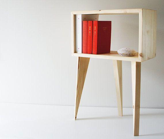 Meuble d'appoint tripode Table de chevet par StudioMyls sur Etsy