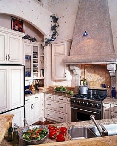 Italian Style Kitchen With Granite Counter Tops   Traverse City Michigan  Lakefront Rental