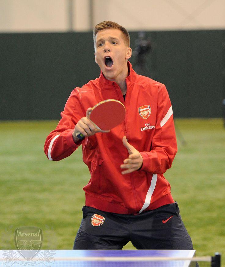 https://flic.kr/p/bciPnv   Wojciech playing TT   Wojciech Szczesny (Arsenal). Club Day. Arsenal Training Ground. London Colney, Herts, 12/1/12. Credit : Arsenal Football Club / David Price.