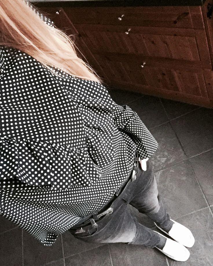 polkadot black white pattern print ruffle blouse big cuffs