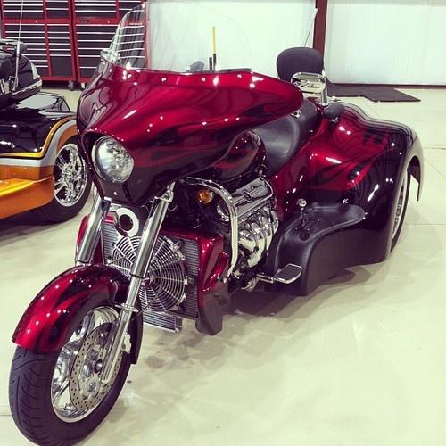 Boss Hog Motorcycle Trikes : Boss hog trike met a fella with one of these ltr v