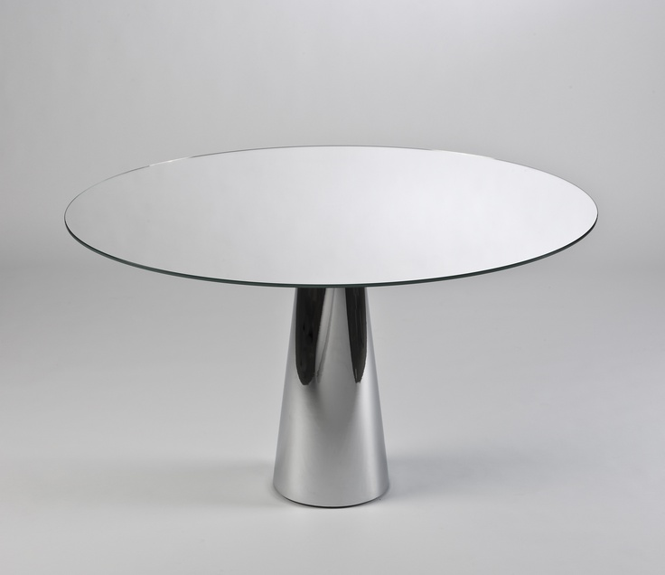 Genial Kartell Round Table