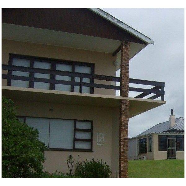 Old Style Farmhouse Holiday House in #Kleinmond Sleeps 8 + 2 #WhaleCoast #Overberg