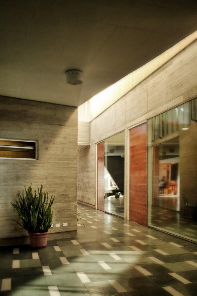 el piso, Edificio Administrativo Curricular Liceo María Auxiliadora por SURco, Chile