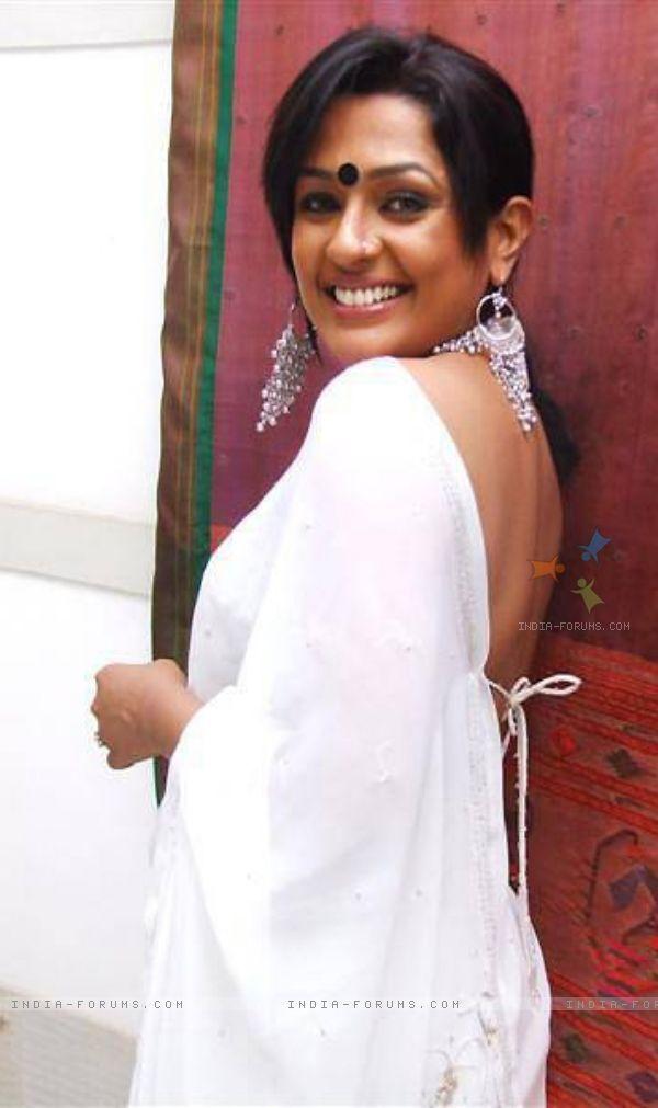 Http Celebsfotos Com Ashwini Kalsekar Height Weight Bra