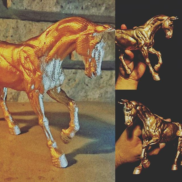 3d printed horse painted gold. facebook.com/letme3dprintthat