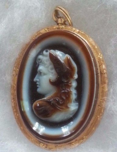 Perfect-Beautiful-Victorian-Three-Layer-Alexander-the-Great-Cameo-10k-Brooch