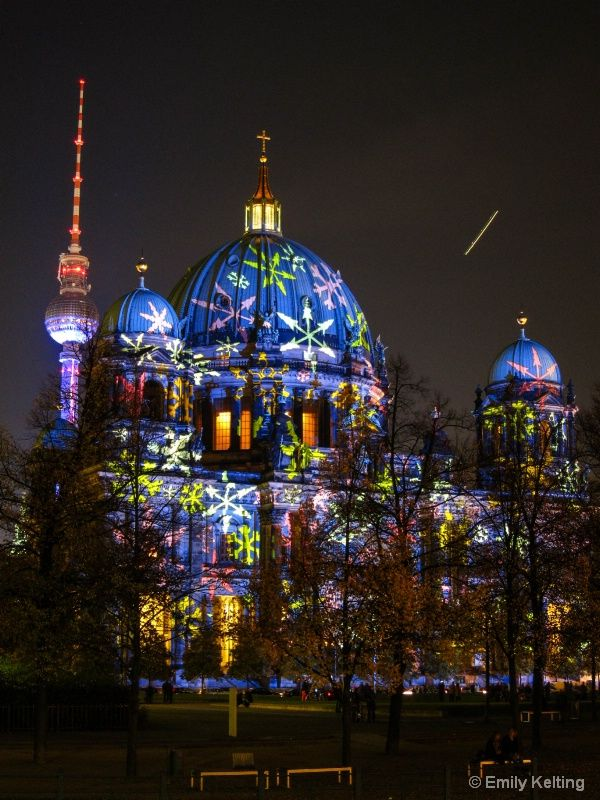 Festival of Lights, Berliner Dom, Fernsehturm | Berlin Cathedral | TV-Tower Berlin More information: visitBerlin.com