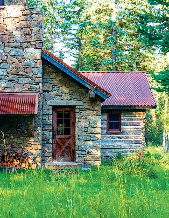 A new homestead embodies the character of the historical ranch that once flourished on the site.