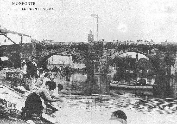 Tarjeta postal del año 1900: mujeres lavando en el río Cabe