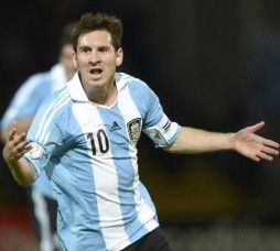 Messi and co Play Soccer Game in Rome vs Italy To Celebrate Pope Francis