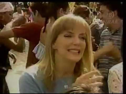 El Baile Del Sapito Video Oficial Belinda   Complices al rescate