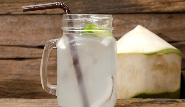 Alles rund um Kokoswasser http://www.menshealth.de/artikel/so-gesund-ist-kokoswasser-wirklich.446882.html