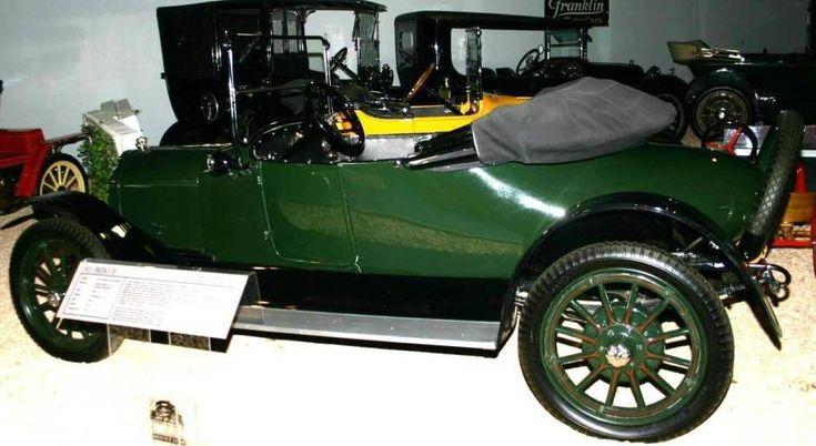 Первый автомобиль со стоп-сигналами - 1915 год - http://amsrus.ru/2014/06/23/pervyiy-amerikanskiy-avtomobil-so-stop-signalami-1915-god/