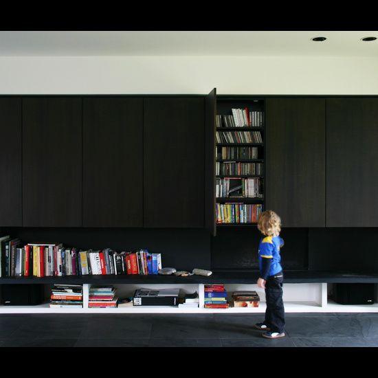 | MEDIA WALLS | Projecten - Architect Aalst, Tom Lierman - bureau voor architectuur en interieur. Clever way of integrating wall storage and use of materials #media walls