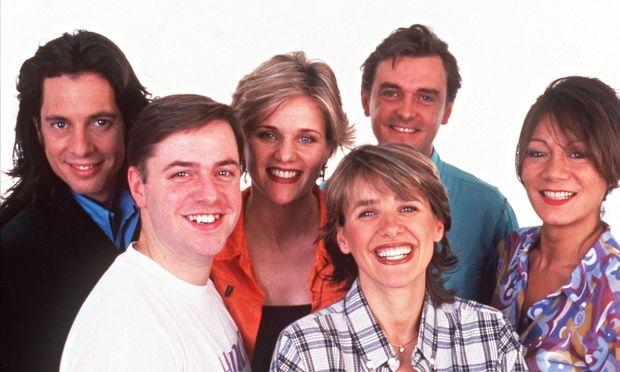 Lawrence Llewelyn-Bowen, Linda Barker, Graham Wynne, Anna Ryder Richardson,  'Handy' Andy Kane and C