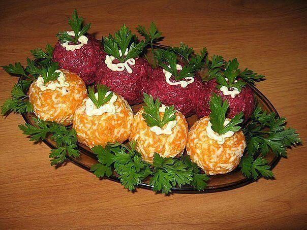 """Закуска к новогоднему столу """"Новогодние шары"""" из инета."""