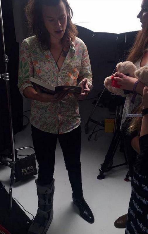 His Boot Kills Me One Direction Harry Styles Harry