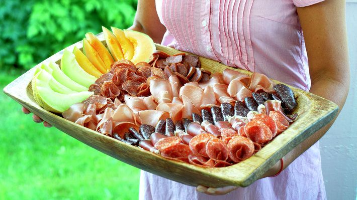 Spekemat er populær mat, og lettvint å servere når man har mange gjester.