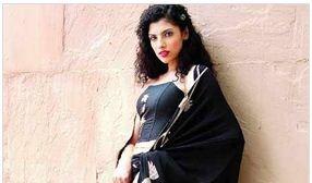 Das Geistesprodukt von Smita Patwardhan und Nayna Mutha, kam jetzt von Rahul Ghosh und gefördert von Monika Trivedi, dieser zweitägigen Veranstaltung, stattfindenden Ista Hotel heute and March 1, soll einzigartig aber erschwingliche Mode um die Stadt zu bringen. Als Smita sagt:
