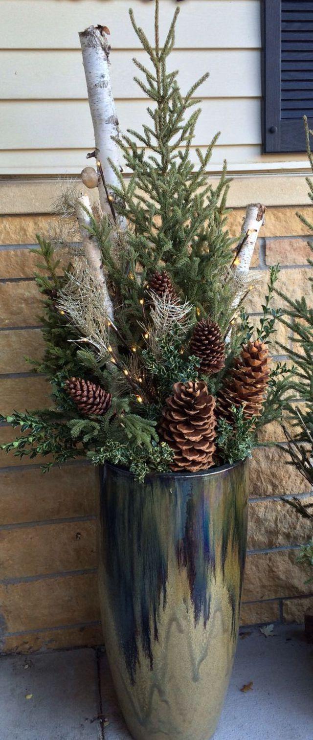 Idée déco balcon à Noël : notre inspiration pour les fêtes - Côté Maison