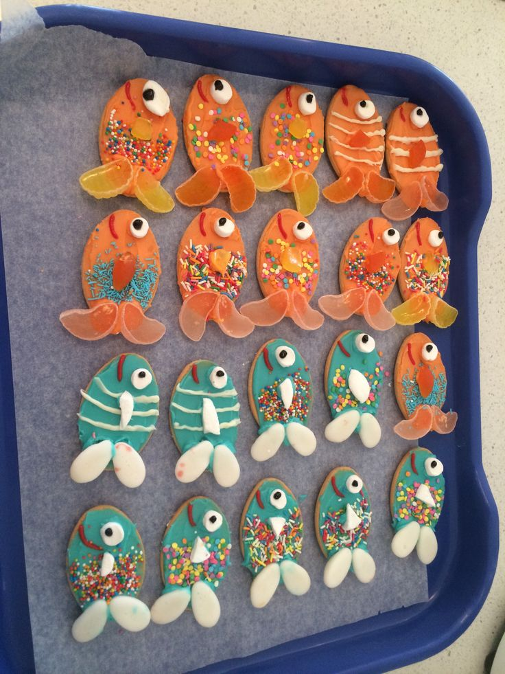 Milk arrowroot biscuit fishies!!