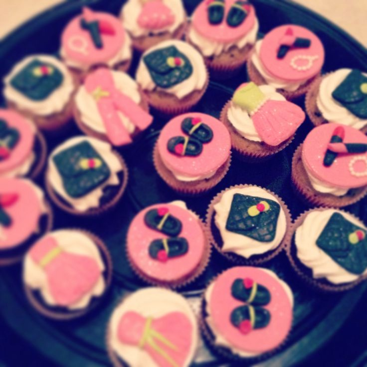 Fashionista cup cakes