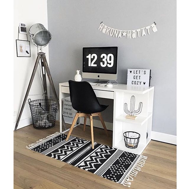 Workspace 📝 Credit: @j.and.l.interior #details #decor #decoration #stylist #inspiration #workspace #interior #interiordesign #love #stylish #design #designer #black #white