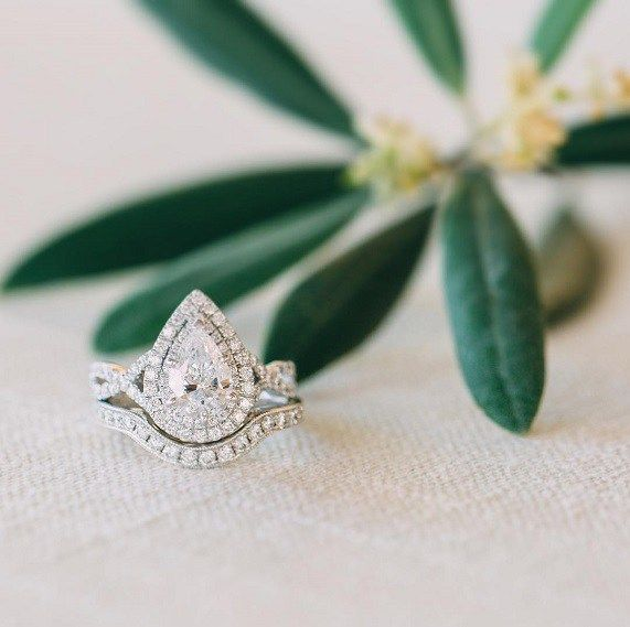 Teardrop engagement ring,engagement ring The perfect Teardrop engagement ring or Pear Shaped Diamond Engagement Ring worthy of your eternal love,pear cut engagement ring,