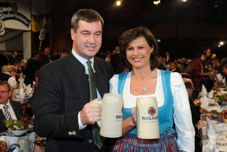 Der bayerische Finanzminister Markus Söder und Wirtschaftsministerin Ilse Aigner (beide CSU) beim Starkbieranstich auf dem Münchner Nockherberg.