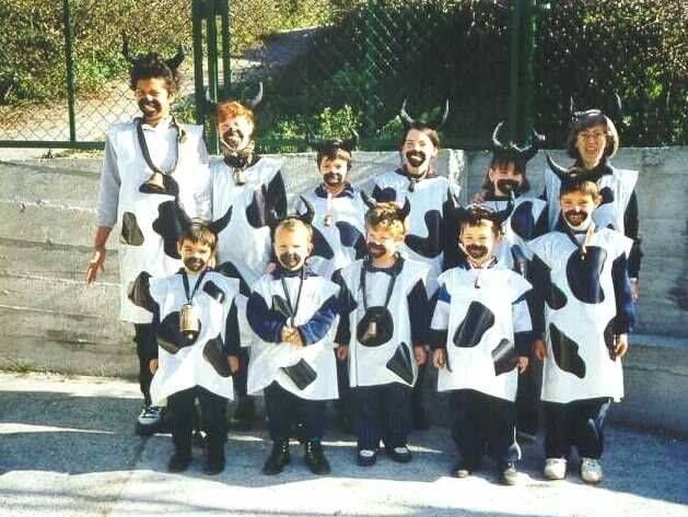 Disfrazarse toda la clase de vacas disfraz escolar de for Disfraces caseros adultos