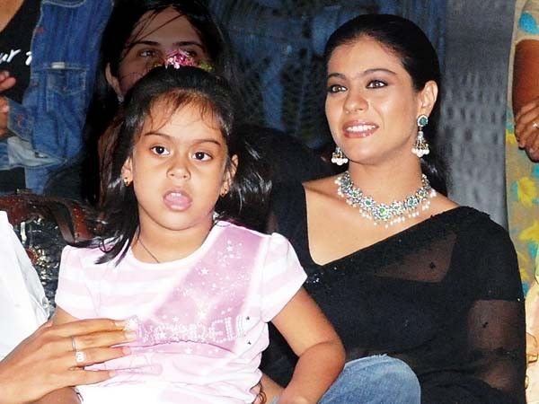 #Kajol with her daughter Nysa Devgn! | Bollywood's YUMMY ...