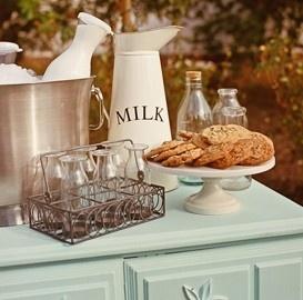 vintage- milk and cookies bar