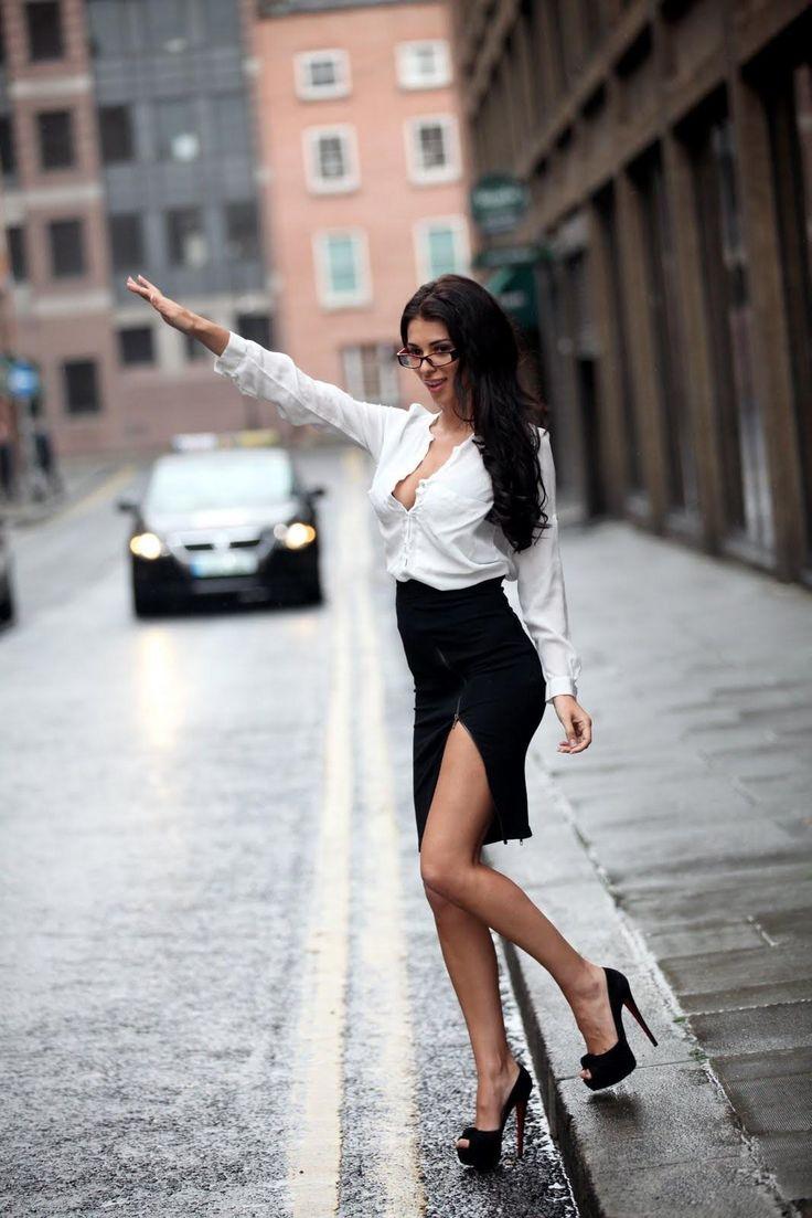 Georgia Salpa hailing a cab