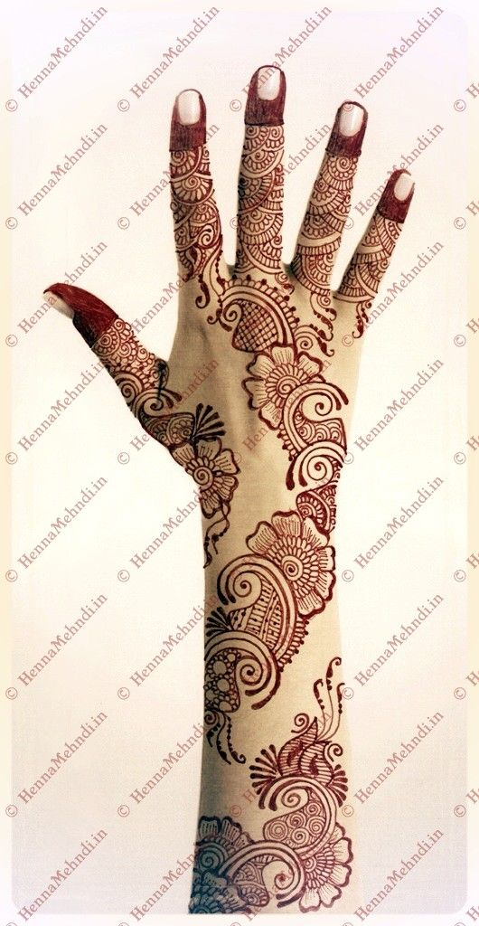 http://wp.me/pAfGG-EN  Arabic Henna Design drawn in an elegant style which has flower motifs with combined paisley pattern. This type of Arabic Henna Design can be applied to brides.