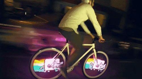 【これは欲しい】自転車のホイールに好きな映像をLED発光する「Monkey Light Pro」