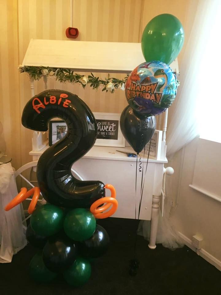 Personalised number balloon and a balloon bouquet