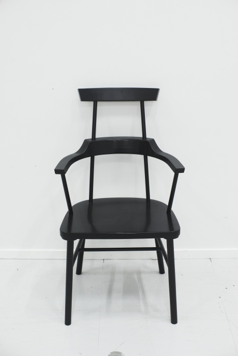 Καρέκλα με μπράτσα & ψηλή πλάτη  - Designer: Ebba Strandmark