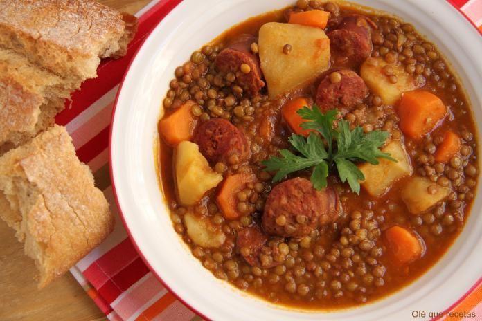 Pocos se pueden resistir a un buen plato casero de lentejas con chorizo como el que hemos visto en este post.