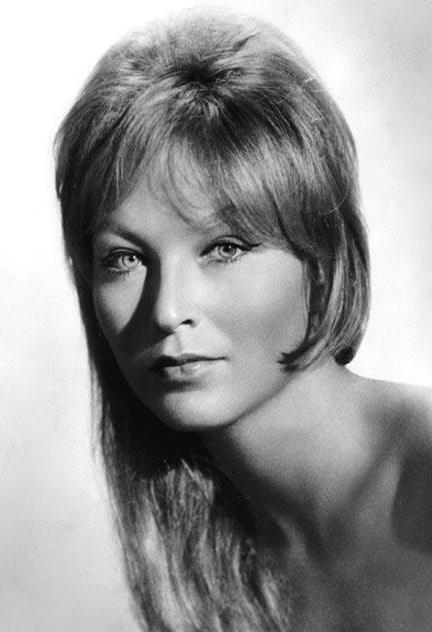 Marina Vlady, de son vrai nom Catherine Marina de Poliakoff-Baïdaroff, est une actrice, chanteuse et écrivain française, née le 10 mai 1938 à Clichy, dans la banlieue de Paris[1]