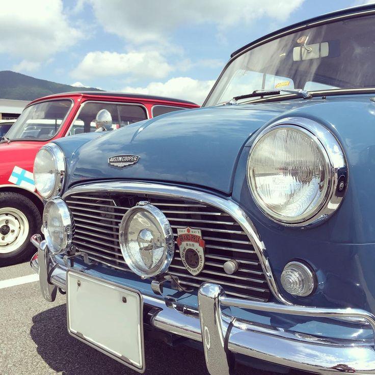 MK-1クーパーさん♪ フォグとグリルバッジが良い感じー . . さてはて、私の初乗りいつになることやら... . . . #classicmini #classicminicooper #austin #austinmini #mk1mini #jpmini #classiccar #historiccar #vintagecar #lovecars #クラシックミニ #オースチン #オースチンミニ #lovecars #32fes