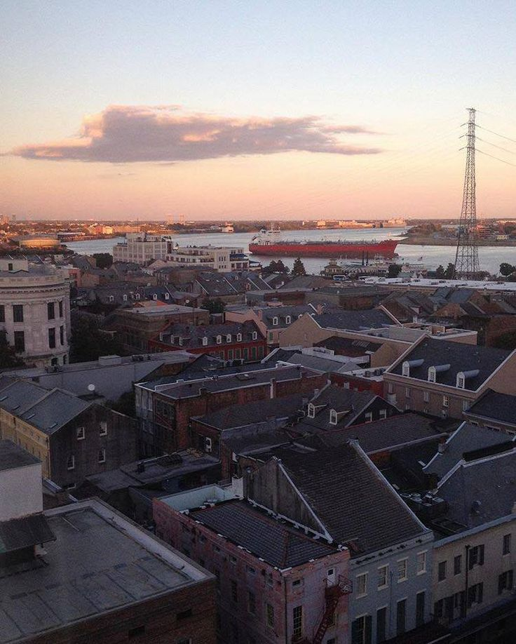 Watching a New Orleans sunset from our roof creates absolutely picturesque #MonteleoneMoments. (Photo by @jsmoffett via Instagram)